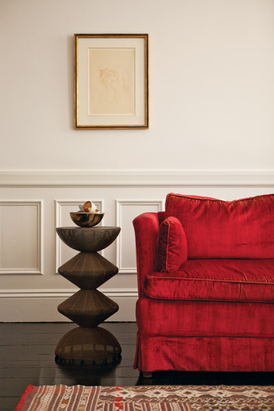 RED VELVET SOFA BOSTON LIVING ROOM