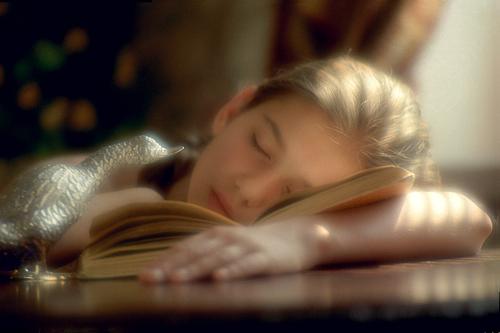 vladimir-arkhipov-sleeping-girl