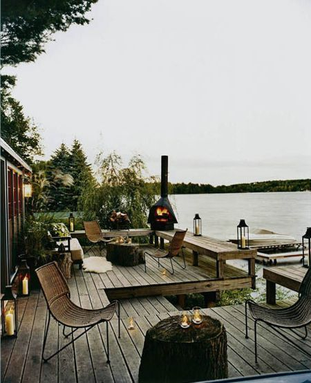 lake-house-deck-rattan-chairs