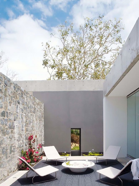 modern-courtyard-patio