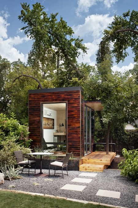 outdoor-patio-sett-studio-austin