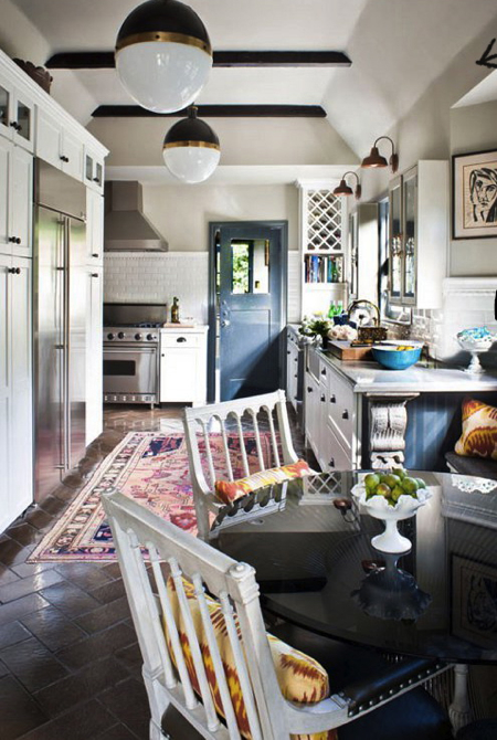 tia-zoldan-interiors-kitchen-persian-rug