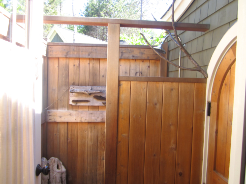 branch-art-shower