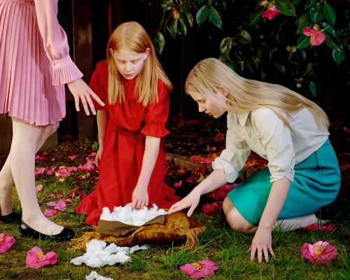 holly-andres-golden-pillow