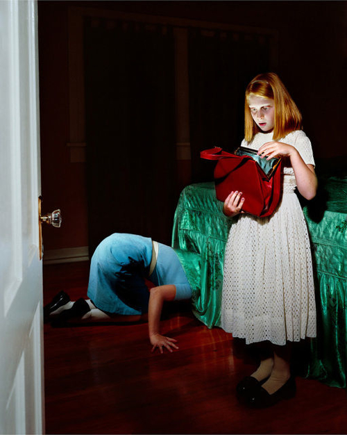 holly-andres-the-red-purse