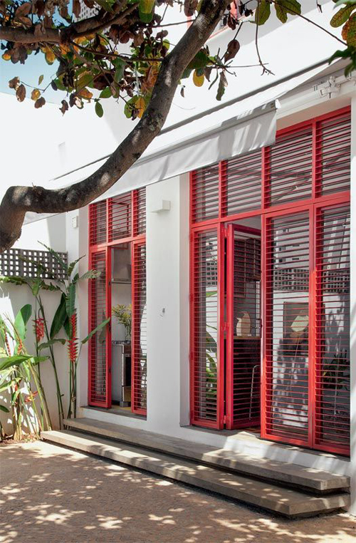 red-window-patio-exteiror
