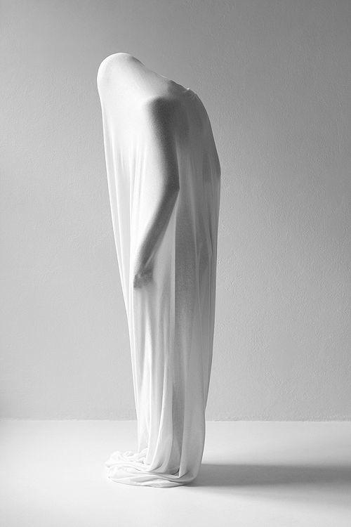 obscured-portrait-joakim-heltne-human-sculptures