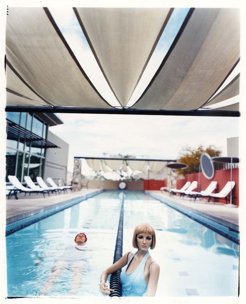 asia-kepka-in-the-pool