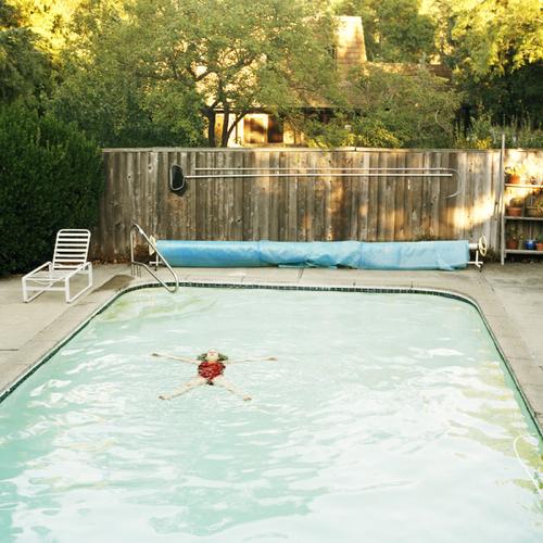 kelly-nicolalsen-pool-angel